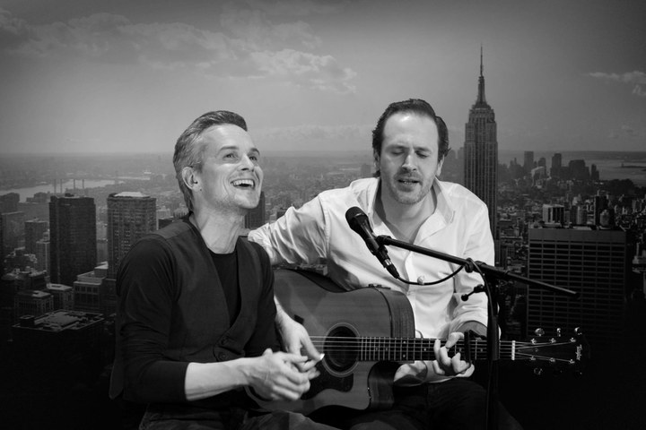 Simon & Garfunkel - Acoustic Sounds of Silence (Hofconcert)