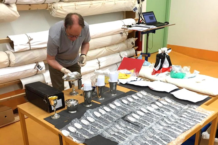 Zilverlezing: 'Zilver uit Bergen op Zoom: echt en vals' door Drs. Jean-Pierre van Rijen