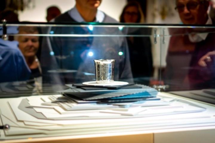 Onthulling en presentatie nieuwe aanwinst: zilveren beker