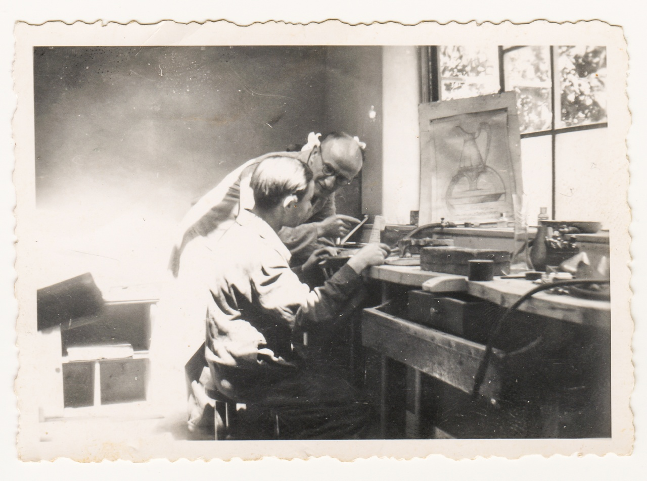 Pagina Zilversmedenfamilies atelier Andriessen.jpg